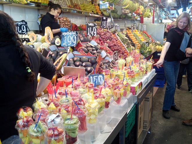 Envases de fruta fresca lista para tomar